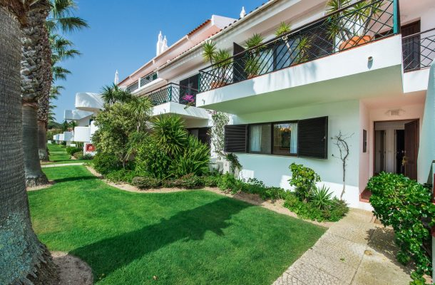 Casa Aveleira